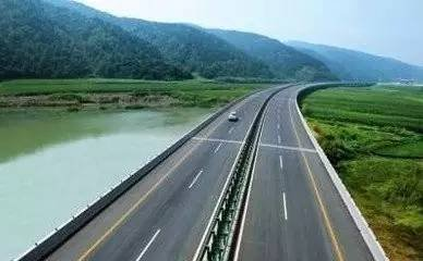 甘肃省出台方案 到2020年省内5A级旅游景区将通高速公路